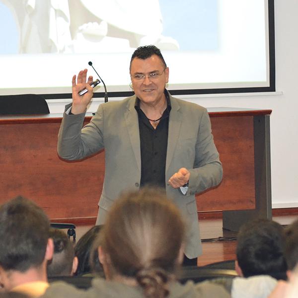 Conferencia en CEU coach Pepe Cabello